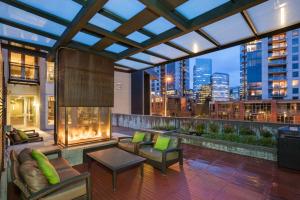 Bellevue Furnished Rentals 11