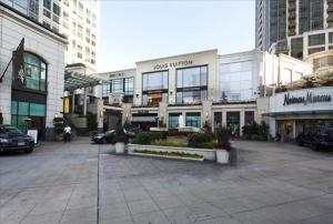Bellevue Furnished Rentals 131