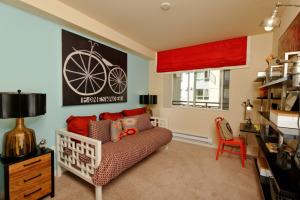 Bellevue Furnished Rentals 6
