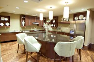 Bellevue Furnished Rentals 7