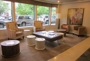 Bellevue Furnished Rentals 91