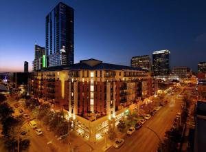 Downtown Austin Corporate Housing 29