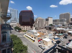 Downtown Austin Corporate Housing 41