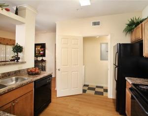 FOX Temporary Apartment Rentals 11