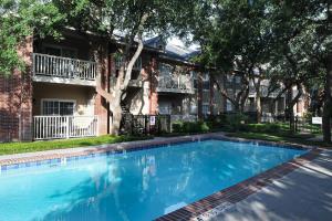 Furnished Apartments By FOX San Antonio 2