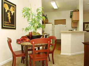 Pensacola Furnished Apartment 8
