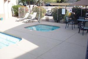 Phoenix Furnished Apartments 10
