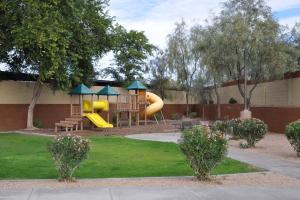 Phoenix Furnished Apartments 12