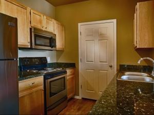 Phoenix Temporary Housing FOX 5