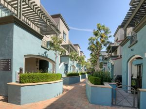 Furnished Housing LA 18