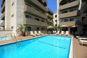 LA Corporate Housing 4