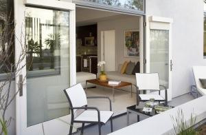 LA Furnished Housing 131