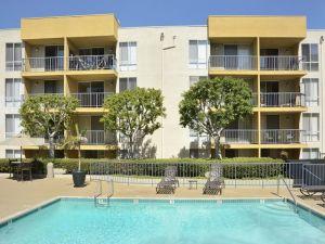 LA Housing Furnished FCH 7