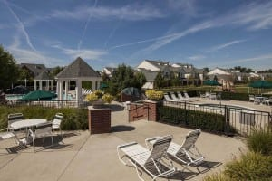 large apartments in rochester hills community area