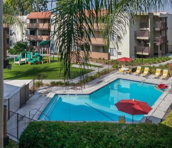 Apartments In Downey California: Carron Corporate Apartments